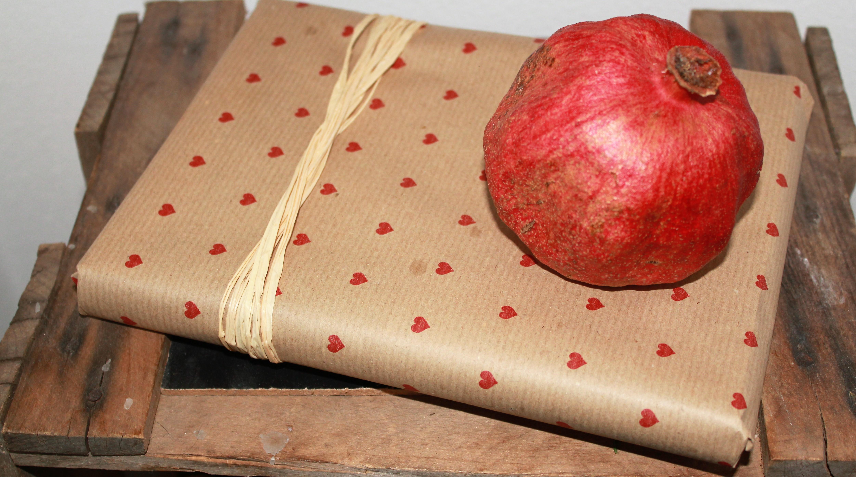 Geschenk selbst verpackt mit Packpaier